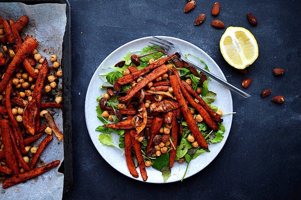vegansk opskrift på marrokansk gulerods salat