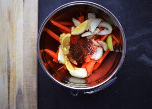 vegansk opskrift på vegansk gulerods salat